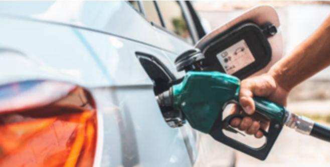 Gobierno mantiene el precio de todos los combustibles