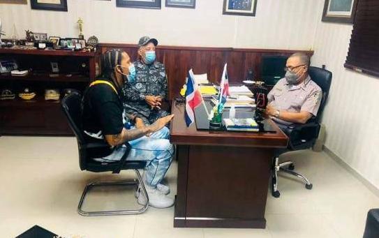 Policia detenite artista en Puerto Plata