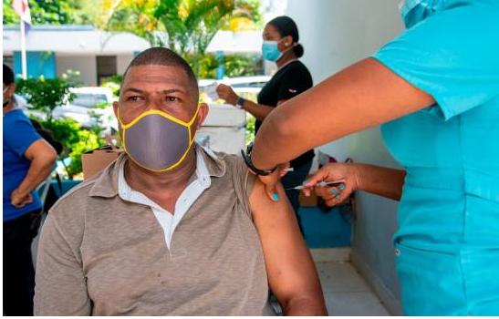 Vacunación de segunda dosis por provincia aumenta en 16 puntos porcentuales