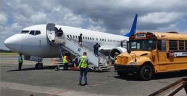 Estados Unidos repatría a 54 dominicanos luego de cumplir condenas en esa nación
