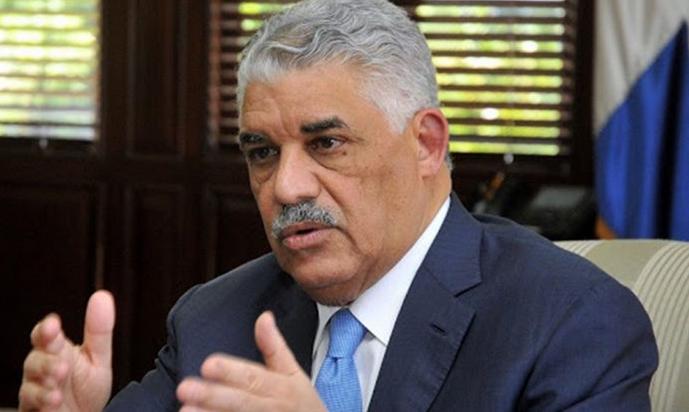 Excanciller Vargas Maldonado respalda propuesta de Abinader en torno a la crisis haitiana