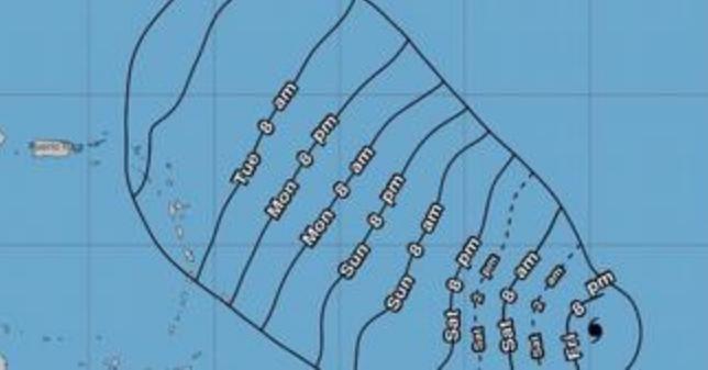 Huracan Sam se  intensifica al entrar al Atlántico